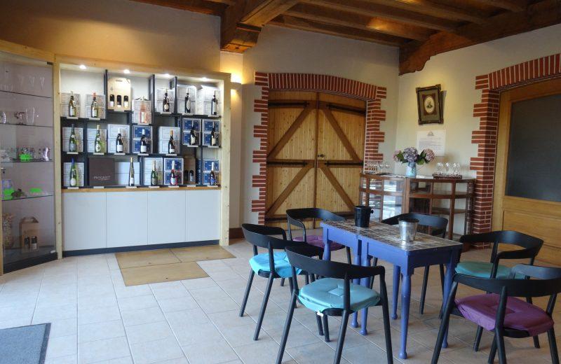 2019-caveaudégustation-domaineraphaëlluneau-lelandreau-44-vignobledenantes